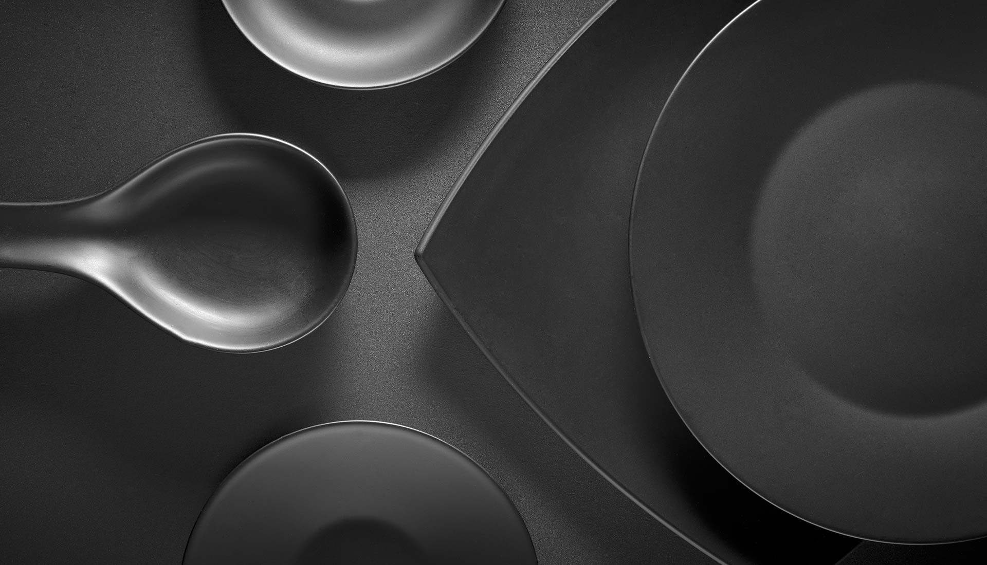Black<br/>platter